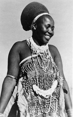 Africa | Zulu woman, ca 1950s.  South Africa | Vintage postcard.