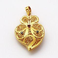 Portuguese gold filligree