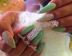 #nail#nails#nailprodigy#nailmagazine#nailpromagazine#tagsForLikes#style#rhinestone💎#nails_by_alba