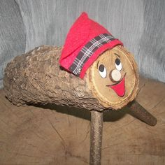 El Cagatió amb Manta i Bastó de 14 x 5cm. El cagatió és una de les tradicions de Nadal a Catalunya. Compra online un cagatió pintat a mà. Un tió bufó amb tots els complements: barretina, manta i bastó. Fes un regal especial i disfruta d'aquestes festes.