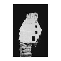 Siluetas de un pasado. (Teatro Romano Cádiz) #teatroromano #cádiz #cai #andalucía #spain #blancoynegro #blackandwhite #siluet #windows #ventanas #romantheatre #igers #igerscadiz #igerspain #vsco #vscoedit #vscolovers #canon6d #35mm