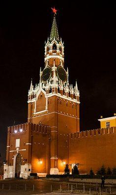 Kremlin, Moscow, Russia (by Sergei Rogozhnikov on Flickr)