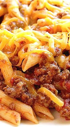 Crock Pot Cheesy Pasta and Beef Casserole ❊