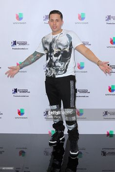De La Ghetto attends Univision's Premios Juventud 2015 at Bank United Center on July 2015 in Miami, Florida. Hair Care Recipes, Daddy Yankee, Moana, Famous Artists, Eminem, Puerto Rico, Tat, Famous People, Singers