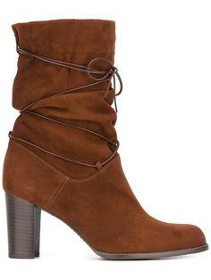 STUART WEITZMAN 'Goes Around' boots. #stuartweitzman #shoes #boots