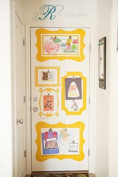 Love the decal frames on the door. great way to display your kids' art!