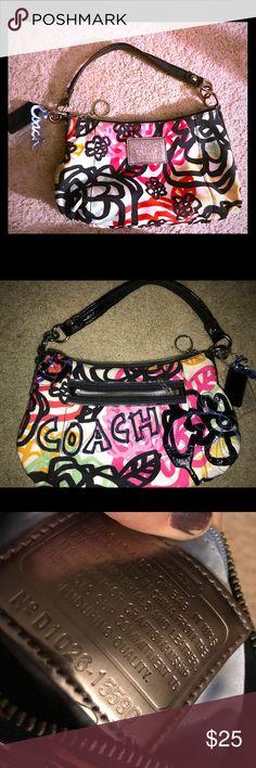 Coach poppy handbag Very cute.  Smoke free home.  Some dirt inside.  Clean outside Coach Bags Shoulder Bags