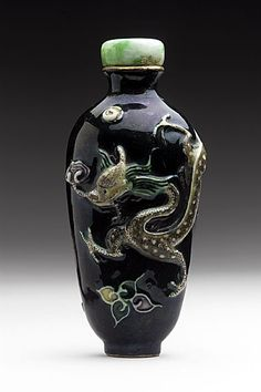 Snuff Bottle (Biyanhu) with Dragon and Lingzhi Fungus, China, Late Qing dynasty, about 1800-1911, Molded soft-paste porcelain with overglaze enamel, with jade stopper