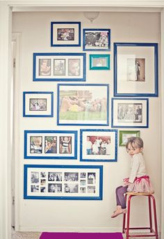 wall of blue frames. spray paint frames to make them matchy matchy. Spray Paint Frames, Painting Frames, Picture Wall, Picture Frames, Picture Groupings, Inspiration Wand, Photo Arrangement, Deco Kids, Hanging Art