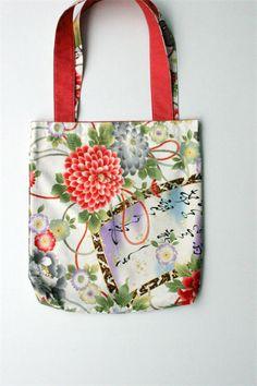 Japanese Tote bag \u2013 tradicional floral print \u2013 in green