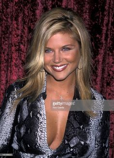 Tiffani Thiessen at the Glamour Magazine's PreParty for the Annual Primetime Emmy Awards La Boheme West Hollywood Beautiful Celebrities, Beautiful Actresses, Gorgeous Women, Beautiful Females, Tiffani Amber Thiessen Hair, Tiffani Thiessen Young, Actrices Blondes, Tiffany Amber, Glamour Magazine