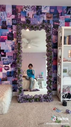 aesthetic room decor - does not belong to me! credit to rightful owner! Cute Bedroom Decor, Room Ideas Bedroom, Purple Bedroom Decor, Purple Room Decorations, Room Decor Diy For Teens, Decorations For Home, Mirror Decorations, Diy Bedroom Decor For Teens, Indie Room Decor