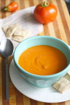 Creamy, dreamy carrot and tomato soup. Perfect for chilly days, and so easy to make! #vegan #glutenfree