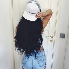 Hair Envy right here 😻💖 is wearing her 260 grams Jet Black LUXURIES ✨✨ She is looking so lovely! Amanda Khamkaew, Shotting Photo, Long Black Hair, Short Hair, Fashion Beauty, Womens Fashion, Net Fashion, Swag Style, Tumblr Girls