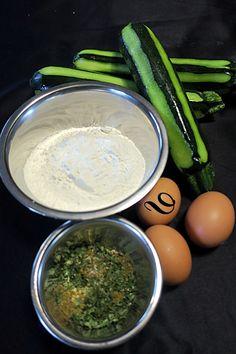 Galettes de courgettes à la plancha - du pain sur la planche.....ou nourrir sa tribu Palak Paneer, Hummus, Barbecue, Biscuits, Food And Drink, Pizza, Menu, Nutrition, Healthy Recipes