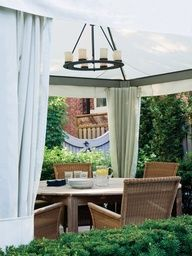 Secluded Outdoor Dining Room | photo Donna Griffith | Mark Hartley Landscape Architects | House & Home