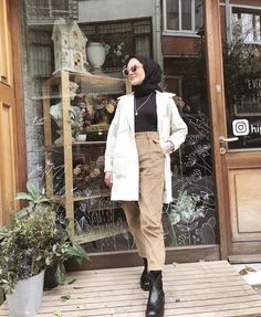 (notitle) Tesettür Kombinleri The clothing culture is fairly old. Modern Hijab Fashion, Street Hijab Fashion, Modesty Fashion, Hijab Fashion Inspiration, Muslim Fashion, Fashion Outfits, Casual Hijab Outfit, Hijab Chic, Cute Casual Outfits