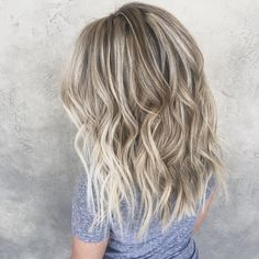 blurred lines #nofilter #goldwellusa #balayage #hairpainting #sombre #redkenshadeseq #blondebombshell #blonde #beachywaves #hairgoals #hairinspo #hairpainted #oribe #olaplex #habitsalon
