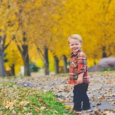 I love this little!!! 🍂❤ . . . . . #lifestylephotography #lifestylephotographer #reallifemoments #indyphotography #indyphotographer #art #everydayart #coloradophotographer #coloradophotography #colorado