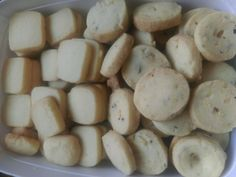 Eetsum More recipe by Tahera posted on 21 Jan 2017 . Recipe has a rating of by 2 members and the recipe belongs in the Biscuits & Pastries recipes category Eggless Cookie Recipes, Eggless Baking, Pastry Recipes, Biscuit Cookies, Biscuit Recipe, Halal Recipes, Sweet Recipes, Eid Biscuits, Indian Dessert Recipes