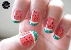 Cómo pintar sandías en las uñas