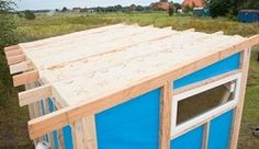 Building the garden house yourself Section The roof The crowning glory for the garden shed Garden Shed Interiors, Garden Shed Diy, Diy Shed, Home And Garden, Shed With Porch, Diy Roofing, Grill Design, Shed Homes, Outdoor Sheds