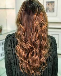 E esse Morena iluminada bem quente para a linda Gostaram? Ombre Hair, Hair Cuts, Hairstyle, Long Hair Styles, Beauty, Brunettes, Haircuts, Hair Job, Hair Style