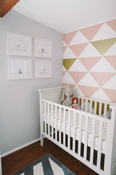 Love the paint colors and pattern on the wall!
