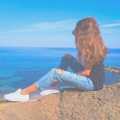 Image about girl in poses by Patricia on We Heart It Photos Bff, Beach Photos, Picture Poses, Photo Poses, Picture Ideas, Tumblr Photography, Portrait Photography, Image Photography, Photography Ideas