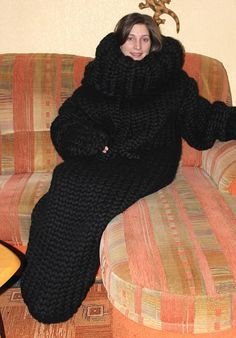 12 kg Sleeping bag thick knit gigantic monster chunky turtleneck sleeping bag merino sheep wool hand knitted by Strickolino Turtleneck Outfit, Sweater Outfits, Mohair Sweater, Wool Sweaters, Gros Pull Mohair, Pull Long, Extreme Knitting, Chunky Knitwear, Cardigan Sweaters For Women