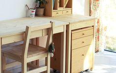 子供には安心して使える家具を。国産無垢材にこだわった「XYL(キシル)」の机