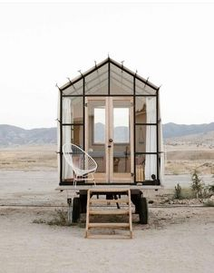 The coolest tiny house ever seen!The coolest tiny house ever seen! Coolest seen tinyOpen Concept Rustic Modern Tiny House [Plans + Sources] Modern Tiny House, Tiny House Design, Tiny Beach House, Small Tiny House, Beach Houses, Small Houses, Furniture Catalog, Home Decor Furniture, Cottage Furniture
