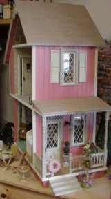 Keene wallhanging dollhouse kit