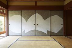 野田版画工房 魯山人 Japanese House, Japanese Style, Tatami Mat, Empty Room, Japanese Paper, Source Of Inspiration, Sliding Doors, Traditional, Architecture