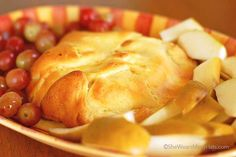Another Brie Recipe – Baked Brie | http://shewearsmanyhats.com/another-brie-recipe-baked-brie/