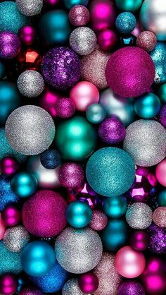weihnachten wallpaper Mobile Christmas mobile background with green, white, blue balls . Wallpaper Natal, Christmas Phone Wallpaper, Holiday Wallpaper, Winter Wallpaper, Colorful Wallpaper, Screen Wallpaper, Wallpaper Backgrounds, December Wallpaper Iphone, Pink Ornaments Wallpaper