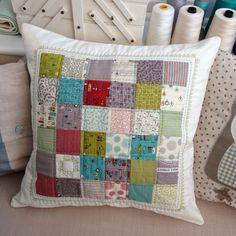 Craft House Magic: Perfect Patchwork Cushion Cover FREE TUTORIAL How to join squares perfectly using a cheat!