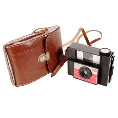 Vintage 2 Piece Indo Aptika Camera & Case Set cute!!
