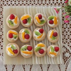 These bite-sized pavlovas are the perfect dessert when you are serving finger foods for dinner. Meringue, cream and fruit are the ideal combination.