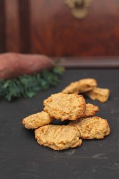 These sweet potato ginger cookies are fragrant and flavourful. 350g (12 oz / 2 cups) sweet potato 150g (1⅓ cups) plain flour 150g (2 cups) porridge oats ½ teaspoon baking powder ¼ teaspoon salt ¼ teaspoon ground cinnamon 1 tsp ground ginger 100g (½ cup) unsalted butter, softened 50g (¼ cup) light brown sugar 50g (¼ cup) granulated sugar 1 egg 1 ½ teaspoons vanilla extract thumb-sized piece of fresh ginger, finely grated
