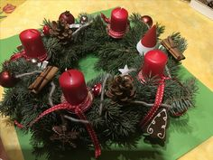 Christmas Wreaths, Holiday Decor, Home Decor, Christmas Baubles, Christmas Things, Manualidades, Advent Season, Christmas Time, Creative