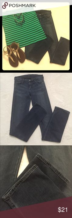 Citizens of Humanity Ava LowRise Straight Jeans Citizens of Humanity Ava Low Rise Straight Leg Jeans in good used condition.  Minor wear from rubbing between legs.  See all photos for details. Thin comfy jeans that will go with anything! Citizens Of Humanity Jeans Straight Leg