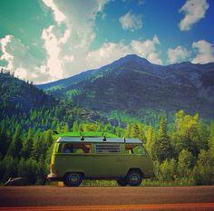 VW Bus on the road / Roadtrip vanlife