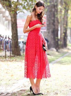 nicole rossetto look vestido vermelho scarpin preto