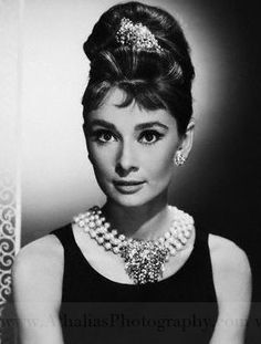 Audrey Hepburn old hollywood glamour makeup. A true classic beauty!!!