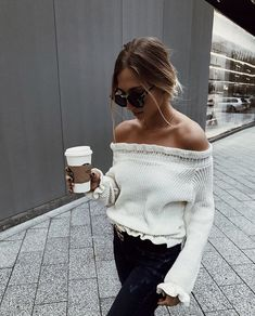 black and white outfit Mode Outfits, Fall Outfits, Fashion Outfits, Fashion Trends, Mode Shoes, Fashion Killa, Passion For Fashion, Autumn Winter Fashion, Dress To Impress