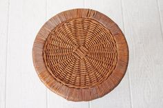 Bamboo Rattan Side Table Plant Stand van OtherTimesVintage op Etsy