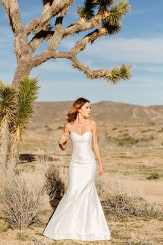 Graceful gown by Astrid & Mercedes | Photo by Tim Melideo | Boho Bride | Nature Lover | Outdoor Bride | Wedding Inspiration