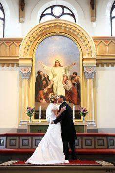 Valokuvaaja Mari Lehtisalo: Wedding in the church of Sipoo, Finland Finland, The Neighbourhood, Wedding Dresses, Bride Dresses, Bridal Gowns, Alon Livne Wedding Dresses, Wedding Gowns, Wedding Dress, Wedding Dressses