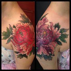 Did two days on Ema , asymmetrical shoulder peonies , thanks for sitting so well! Pretty Tattoos, Love Tattoos, Beautiful Tattoos, Body Art Tattoos, Sweet Tattoos, Shoulder Cap Tattoo, Shoulder Tattoos For Women, Tattoo Blog, I Tattoo